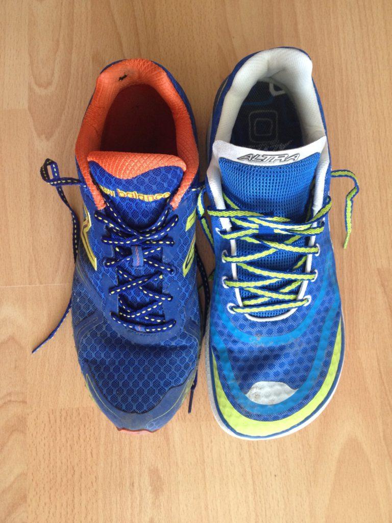 Vlevo staré boty New Balance 980 a vpravo nové Altra Paradigm.