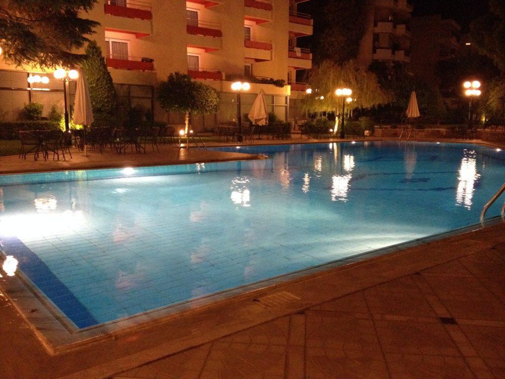 Bazén v našem hotelu Oasis.