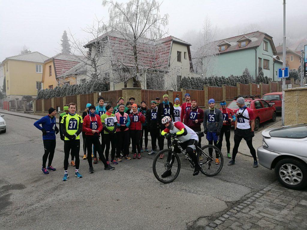 Společná fotka těsně před startem závodu. (foto Facebook)