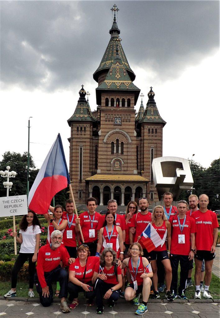Česká výprava chvíli před slavnostním zahajovacím ceremoniálem.