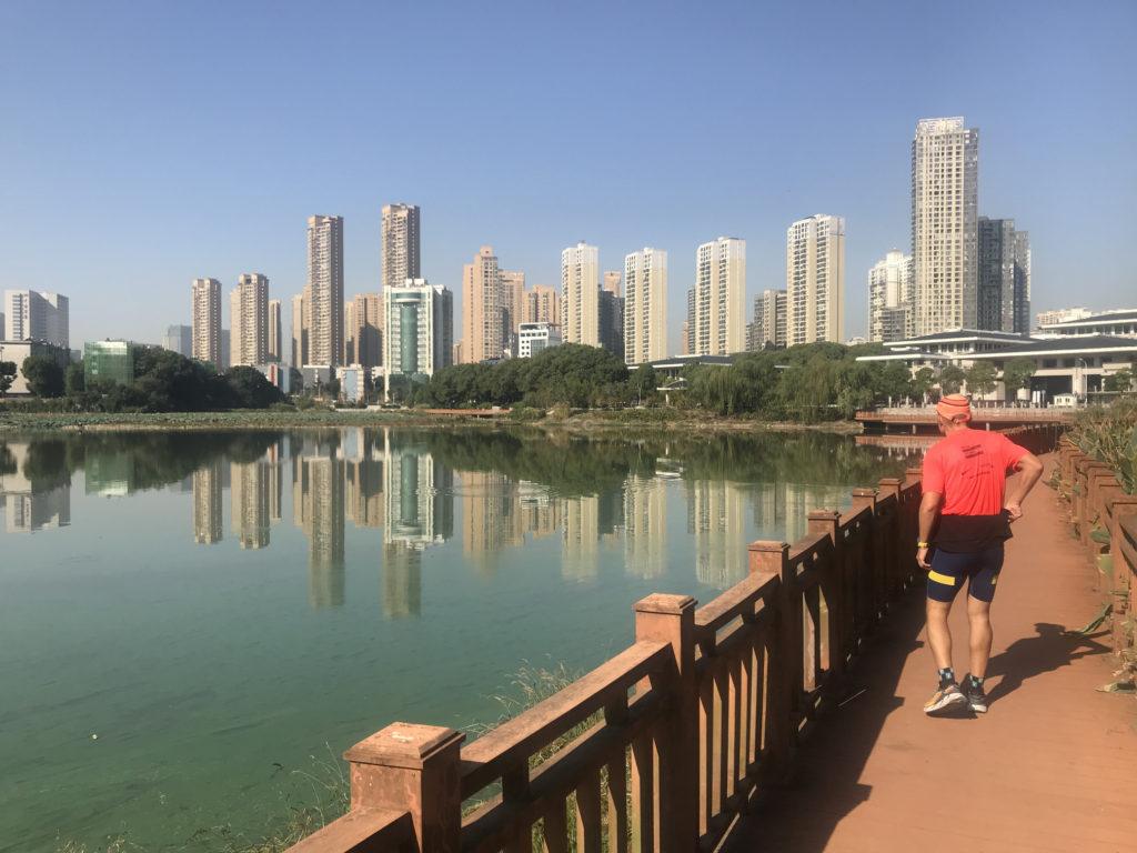Běžecké poznávání Wuhanu.